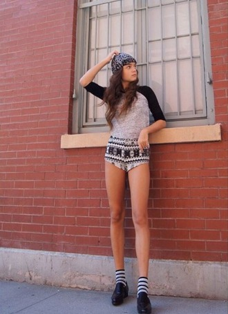 callies street chic blogger short shorts baseball tee