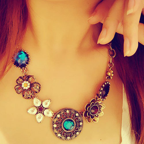 [grxjy5100296]Retro Ethnic Customs Flower Colorful Rhinestone Necklace