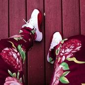 jeans,pants,floral,red,fashion,shoes,jordans,white,dope,flowers,joardans,gold,kanye west,color jeans,Jay Z,justin bieber,burgundy,green,joggers,menswear,red floral pants,sweatpants,emoji pants