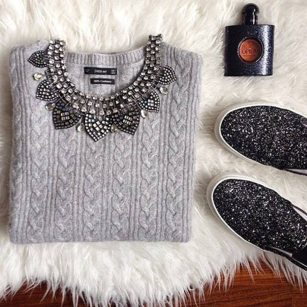 sweater grey necklace holiday season grey sweater vans glitter cable knit shoes knitwear zara glitter shoes pullover grey collier paillettes