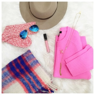 lilly's style blogger hat sunglasses socks scarf sweater jewels pants coat bag jeans shoes jacket skirt make-up