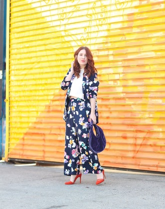 tf diaries blogger jacket pants shoes bag red heels floral pants floral jacket blue bag spring outfits