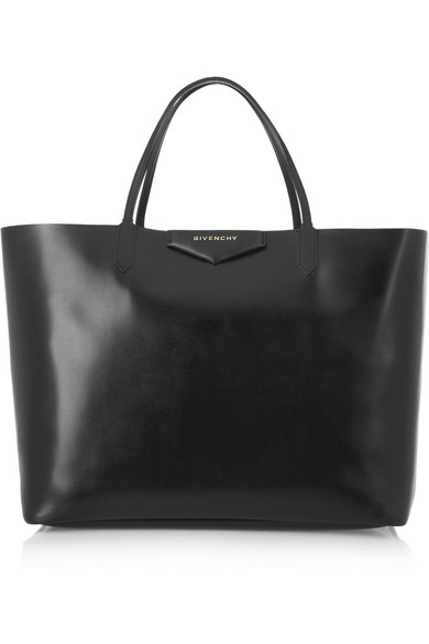 Antigona shopping bag in leather