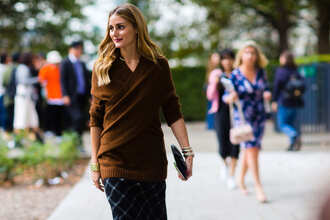 sweater fashion week street style fashion week 2016 fashion week london fashion week 2016 olivia palermo streetstyle fall sweater fall outfits wrap sweater bracelets skirt