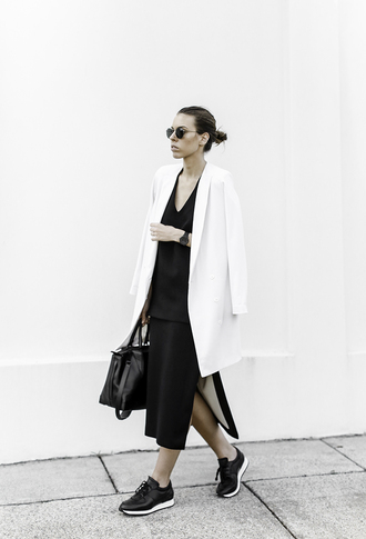 modern legacy blogger sunglasses jewels blazer minimalist black skirt slit skirt black bag sneakers