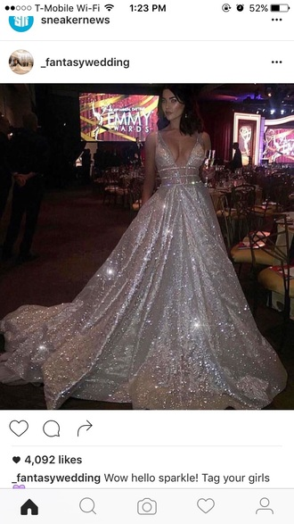 dress sparkly dress emmys 2015 emmys crystal shiny celeberity prom dress silver princess dress v neck dress red carpet dress evening dress long evening dress party dress silver dress glitter dress glitter prom dress gown