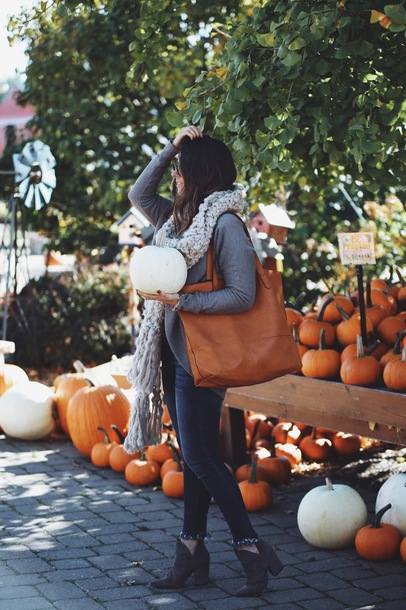 fashionably kay blogger cardigan scarf dress shoes bag fall outfits tote bag booties brown tote bag brown bag