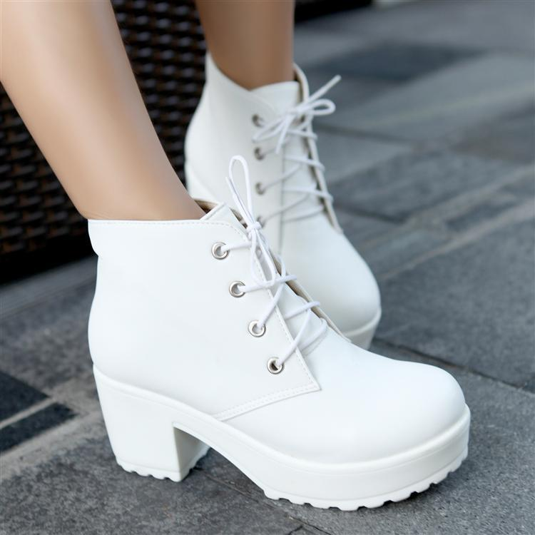 lace platform White boots up