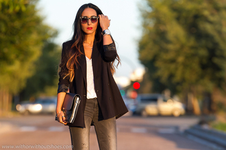 with or without shoes blogger jewels jeans t-shirt jacket bag sunglasses shoes
