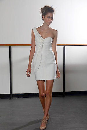 J.mendel resort 2011 white dress as seen on selena gomez