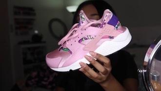 shoes pink purple white huarache hawaiian girl girly girly wishlist nike nike shoes floral