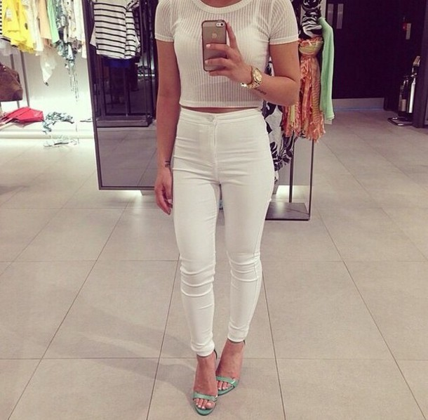 white crop tops highrise jeans