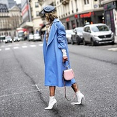 coat,blue coat,oversized coat,oversized,hat,boots,white boots,bag,ankle boots,high heels boots,handbag