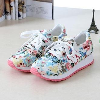 shoes new balance white peach flowers je voudrais trop ces chaussures elles sont vraiment trop belles