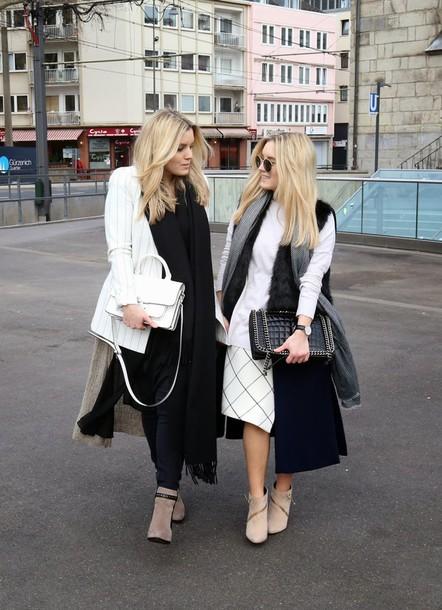 fashion twinstinct blogger checkered white skirt blazer striped jacket