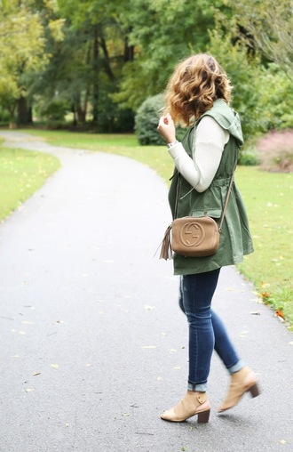 life & messy hair blogger sweater jacket bag jewels jeans