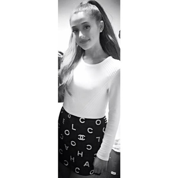 sweater skirt chanel ariana grande black and white top