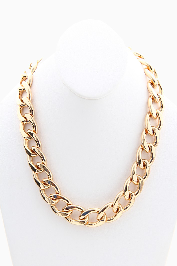 Rihanna chunky chain necklace