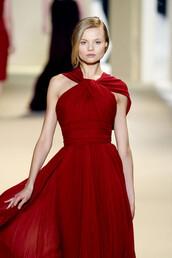 dress,red,classic,flowy