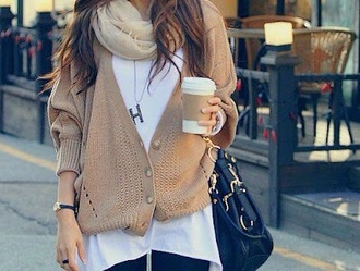 sweater jumper girl long warm comfy cozy winter outfits fall outfits leggings scarf bag purse cardigan oversized oversized sweater oversized cardigan shirt pull outfit t-shirt sac gilet