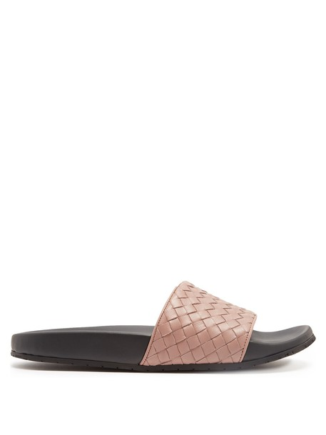 Bottega Veneta leather dark pink shoes