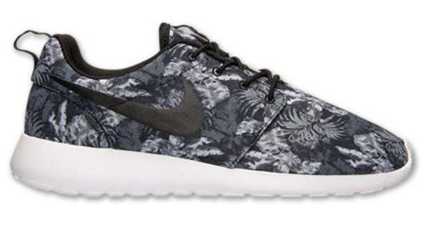 shoes nike poison print roshe runs palm tree print black and white run running shoes baskets