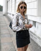 sunglasses,black sunglasses,rayban,round sunglasses,snake print,mini skirt,shoulder bag