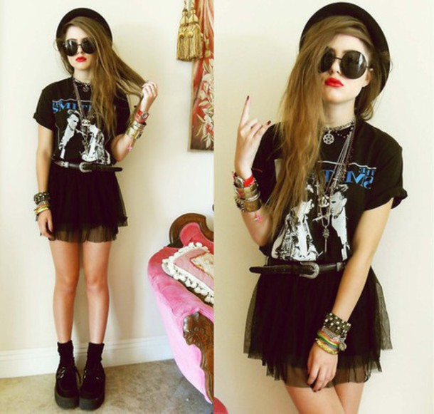 skirt goth grunge tulu skirt black skirt shoes t-shirt top hipster bkack branded