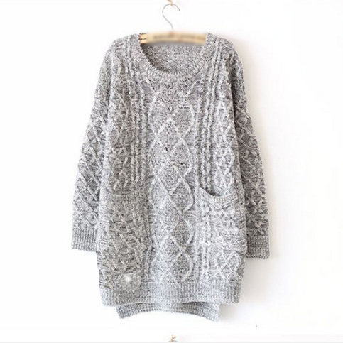 Grey oversized sweater with front pockets