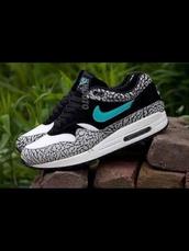 shoes,nike,air max,nike air max 90,size 4