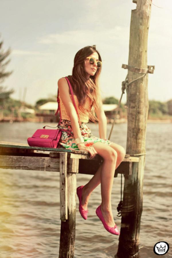 fashion coolture t-shirt skirt bag sunglasses
