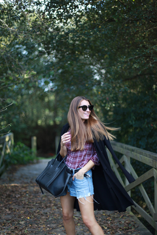 b a r t a b a c blogger bag belt checkered denim shorts fall outfits
