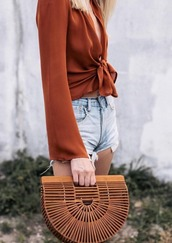 blouse,flowy,summer,summer outfits,shorts,wicker