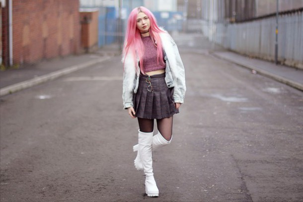 kayla hadlington blogger lolita pleated skirt boots white shoes