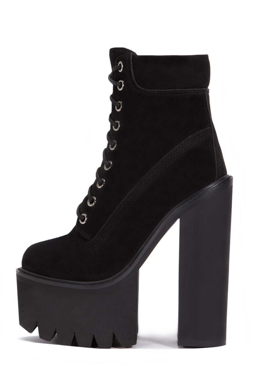 Boss heels in black nubuck black