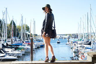 styling my life blogger jacket dress shoes bag jewels hat