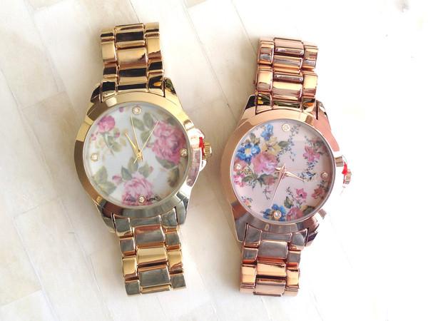 Vintage floral bracelet watch