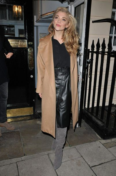 skirt midi skirt boots natalie dormer fall outfits streetstyle top blouse