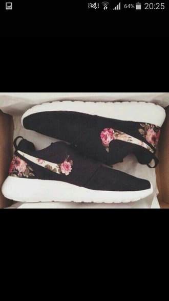 shoes nike shoes nike running shoes nike running black shoes nike flowers flower print airmax roshe run sneakers nike flower sneakers nike flower flower nike shoes