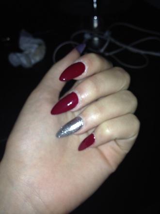 nail polish red wine sparkle