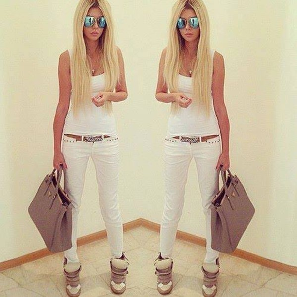 jeans white top white skinny jeans shoes bag