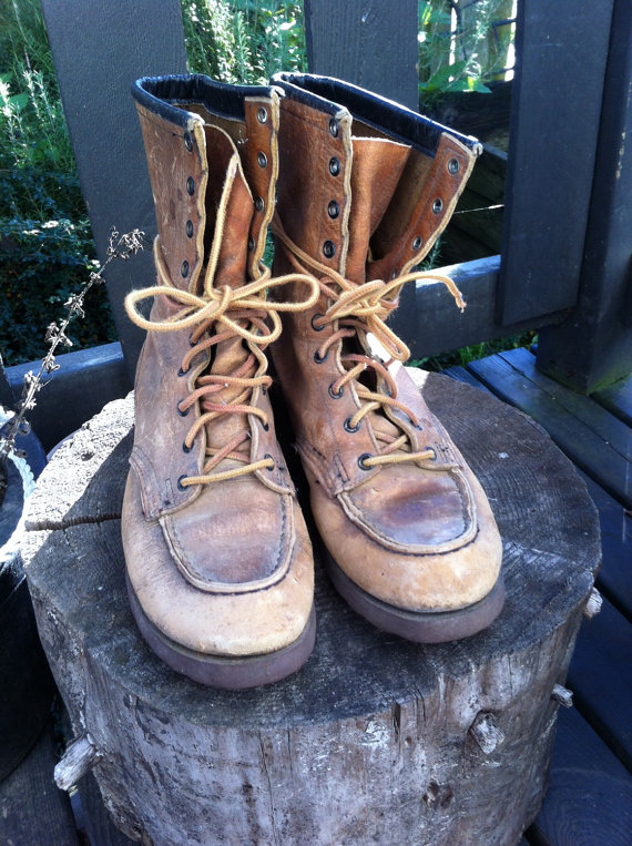Vintage women's red wing leather lace up work boots // size 6