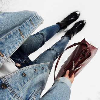 jeans tumblr denim blue jeans ripped jeans boots black boots bag red bag burgundy jacket denim jacket blue jacket