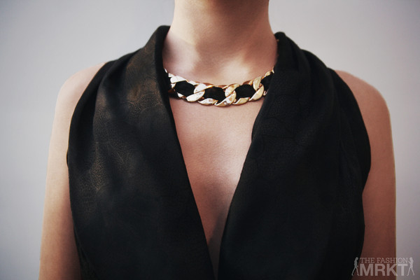 jewels gold black ribbon necklace trendy necklace chain necklace chuncky necklace chunky necklace celebrity style celebrity style steal chuncky chain