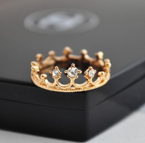 Cute rhinestone crown ring