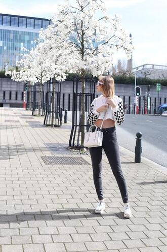 from brussels with love blogger sweater leggings shoes bag sunglasses skinny jeans cropped sweater spring outfits