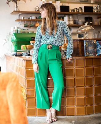pants green pants floral floral top floral shirt shirt shoes spring outfits