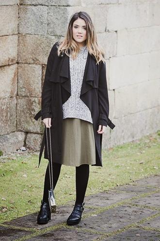 si las calles hablasen blogger skirt black coat oversized sweater grey sweater