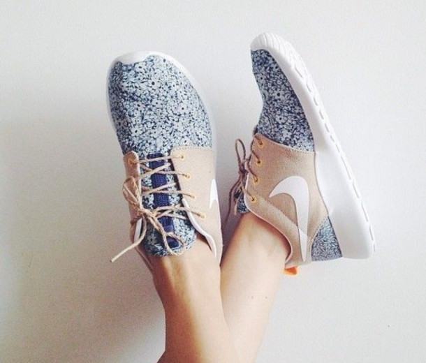 Shoes: nike roshe run, women, blue and white flowers, nike roshe ...