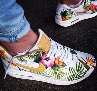 shoes nike shoes nike nike air design air max floral flower nike shoes tropical nike free runs tropical twist womens low top sneakers floral sneakers nike running shoes nike air max 1 nike air max 90 gold pretty tree green white